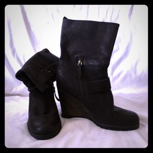 The cutest Genuine Leather wedge boots!